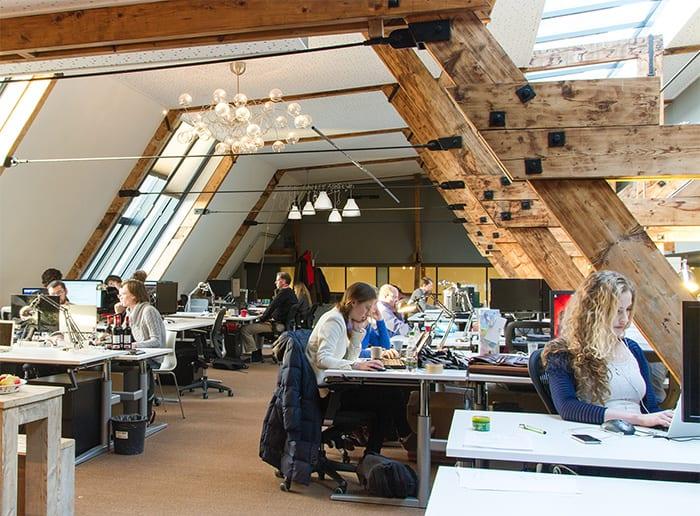 Startupoffices in Amsterdam: BovendeBalie kent gezellige sfeer op prachtige locatie