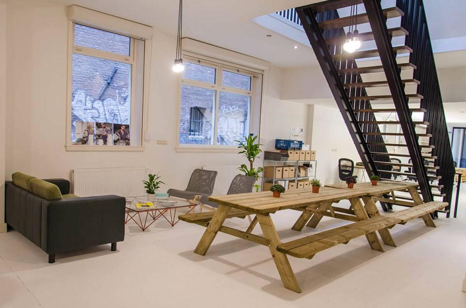 Silicon Drinkabout Amsterdam op bezoek bij nieuwe kantoor van Crowdyhouse