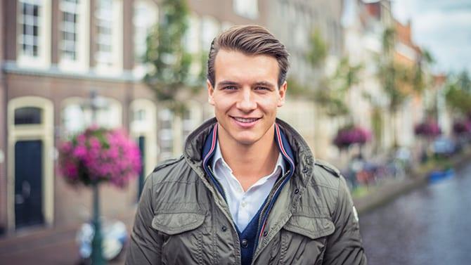 Haagse startup Add my Window maakt van ramen reclameborden