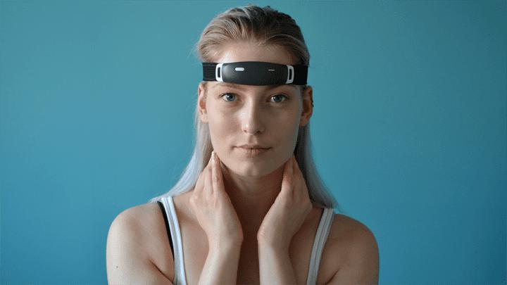 Dutch lucid dreaming device raises dream amount on Kickstarter