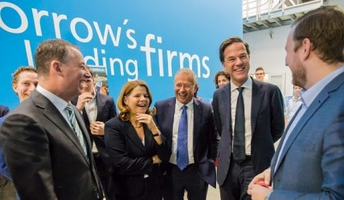 PM parties it up with YES!Delft startups