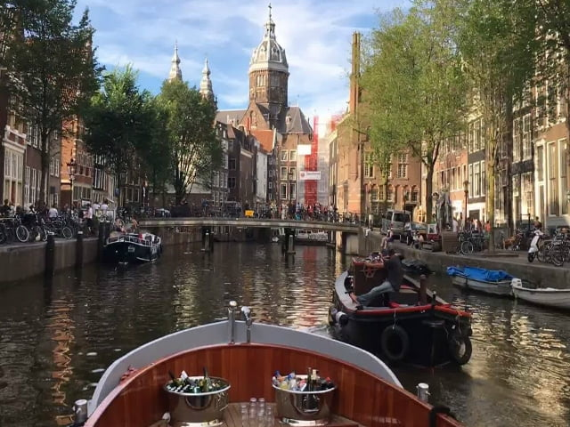 BoatNow offers smooth boating experience across Amsterdam: Here's what you need to know