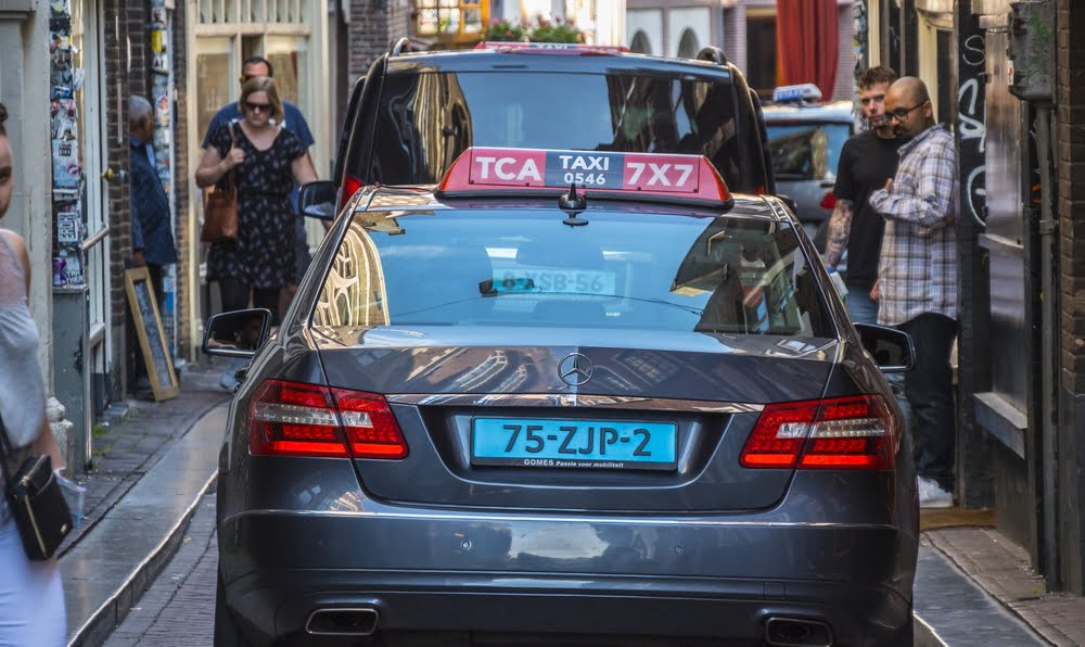 Amsterdam taxi-tech scale-up Cabture signs deal with TCA to fit 300 cabs with tablets