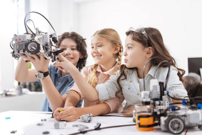 These 7 Dutch tech startups are successfully helping the kids and their parents