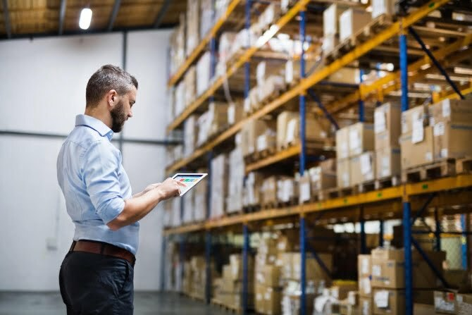 8 new tech trends shaping the transport and logistics industry in 2019