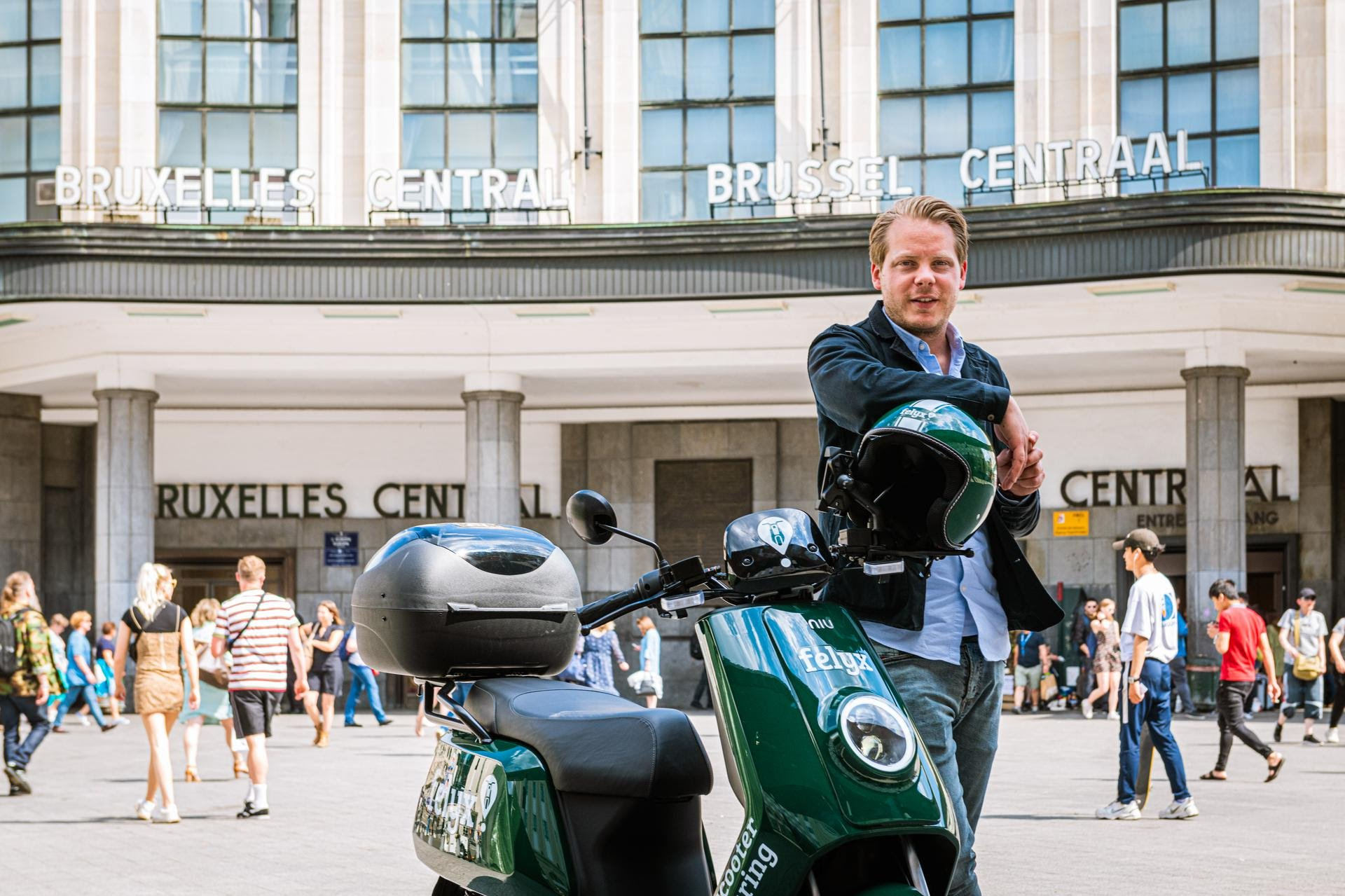 Dutch e-scooter sharing startup felyx now in Brussels: Can it compete with Europcar backed startup Scooty?