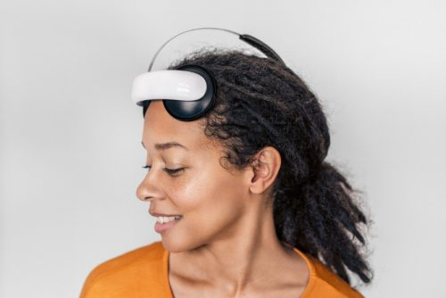 Flow: This headset from a Swedish startup can treat depression, raises €1.34M funding for European rollout