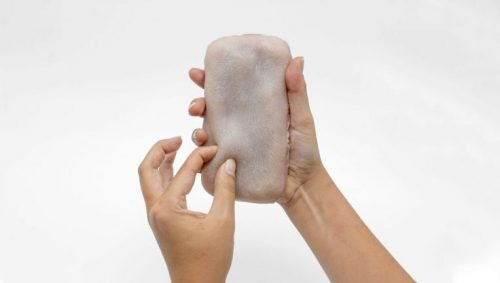 A team of researchers has built a  smartphone case that mimics human skin